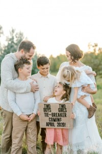 Hunsaker baby announcment, Coutesy Alyssa Crawford Photography