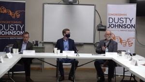 Dusty Roundtable 1